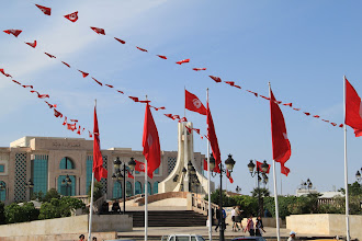 Photo: Tunis in the throes of voting in what is a historic democratic election