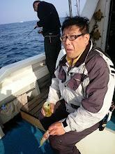"""Photo: """"タガミ親分""""。 魚も釣ってないのに、ビール飲んでます。"""