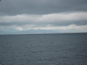 Photo: Видите в дали едва заметную белую полосу? Сначала я приняла её за облака. Но это и был город Батуми...Мы приближались к нему не меньше часа