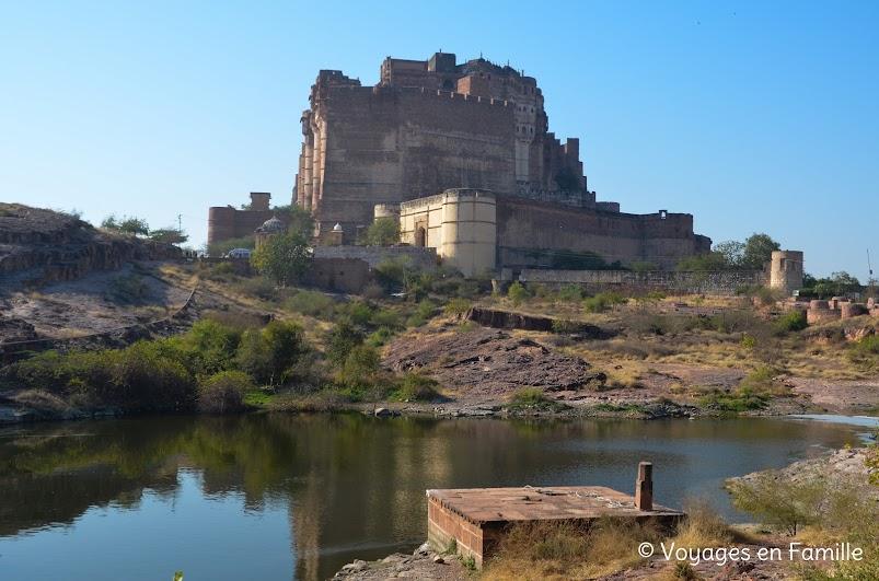 vue sur le fort depuis Jaswant Thada
