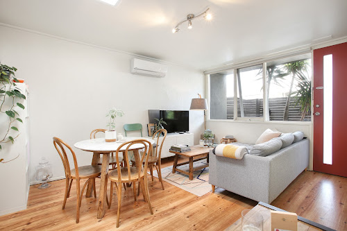 Photo of property at 5/8 York Street, Bonbeach 3196