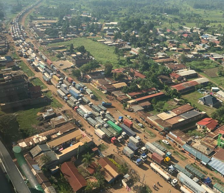 A photo of the traffic jam created by the long-distance truck-drivers in Malaba.
