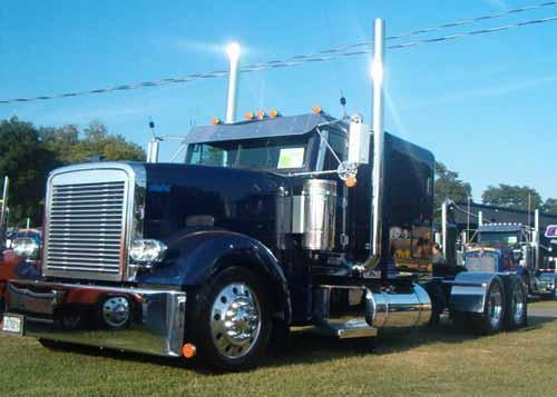 Freightliner classic Custom Hood