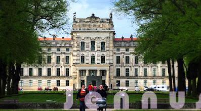 Photo: Barockschloss Ludwigslust Ludwigslust war im 18. und bis zur Mitte des 19. Jahrhunderts die Residenz der mecklenburgischen Herzöge.  http://www.beepworld.de/members5/jennus/staatssicherheit.htm