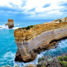 Razorback at Loch Ard Gorge by Edwin Ng - Landscapes Waterscapes ( great ocean road, razorback, loch ard gorge, australia, victoria )