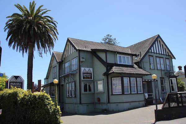 Parnell City Lodge