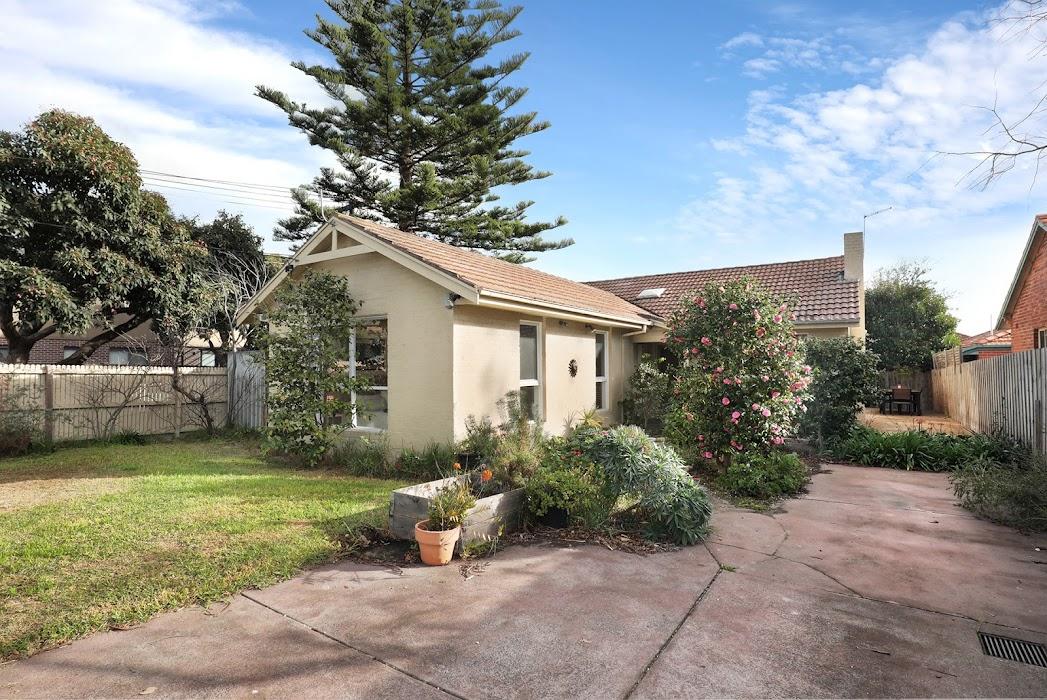 Main photo of property at 1/5 Field Street, Hampton 3188