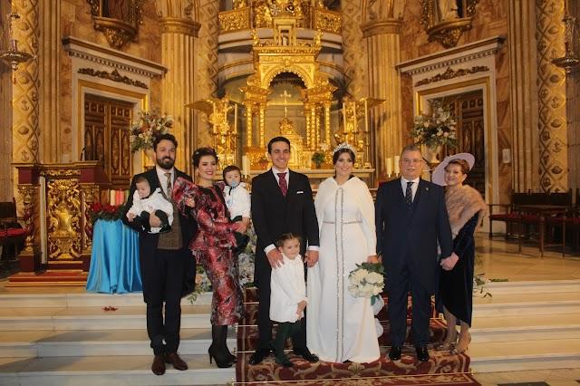 Junto a la familia de la novia.