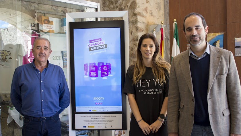 'Totem' digital recién instalado en Carboneras.