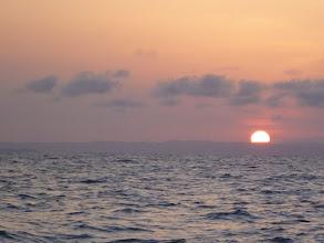 Photo: だんだんと早くなる「日の出」 出航時間も早くなる。