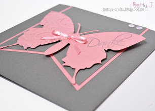 Photo: http://bettys-crafts.blogspot.de/2014/01/hochzeitsserie-mit-schmetterling-in_29.html