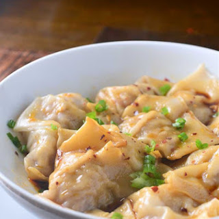 Shrimp and Pork Wontons in Spicy Sauce