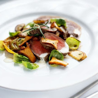 Venison with Mushrooms and Sprouts