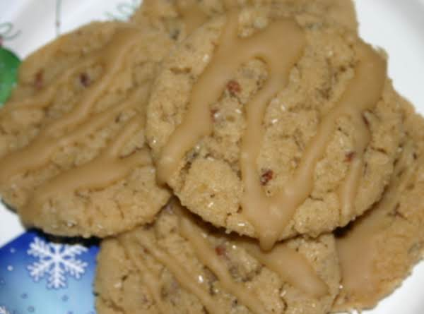 Caramel Glaze Pecan Cookies