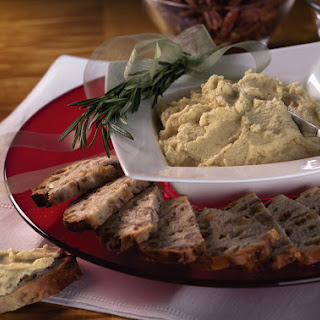Holiday Creamy Cabot Cheddar Spread