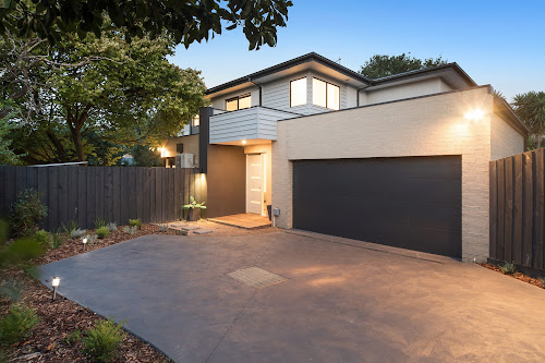 Photo of property at 2/11a Norman Avenue, Frankston South 3199