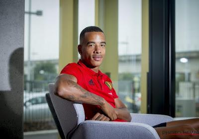 Senna Miangue beseft dat hij hard zal moeten werken om titularis te worden bij Standard