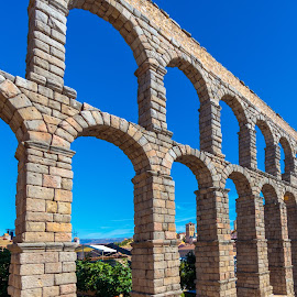 acueducto de segovia by -. Phœnix .- - Buildings & Architecture Bridges & Suspended Structures ( segovia, acueducto )