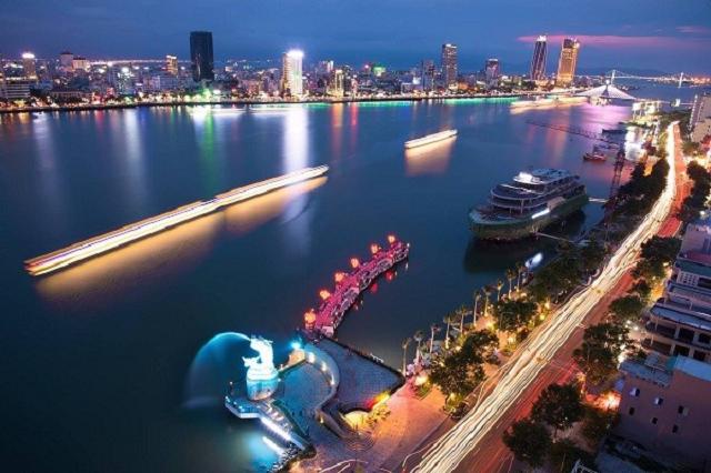 Các bạn nên đặt vé máy bay đi Đà Nẵng trước 2 – 3 tháng để sở hữu được tấm vé như ý