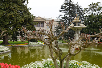 Photo: Pond in front of the Dolmabace Palace, Turkey's answer to Versailles