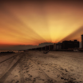 Rays Are Up by Linda Karlin - Landscapes Sunsets & Sunrises ( sunset, seascape, beach, landscape )