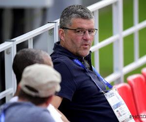 Philippe Albert taille deux défenseurs d'Anderlecht