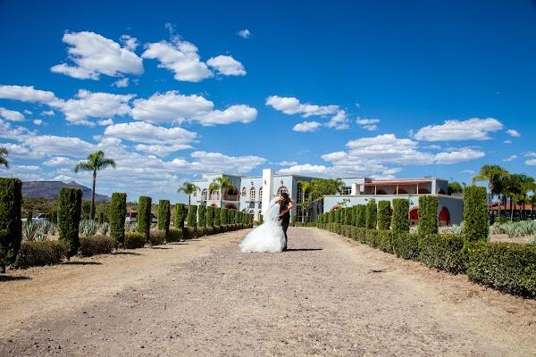 Fotógrafo de bodas Cuauhtémoc Bello (flashbackartfil). Foto del 23.04.2017