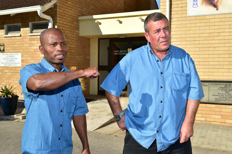 David Jali and Marselle van der Mescht describe how they chased down and wrestled to the ground two robbers who robbed a woman outside a house in Summerstrand.