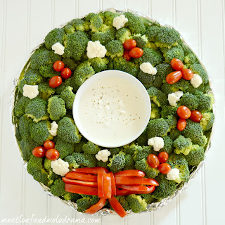 Veggie Christmas Wreath Platter