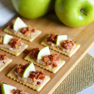 Bacon Apple Cheese Appetizers.
