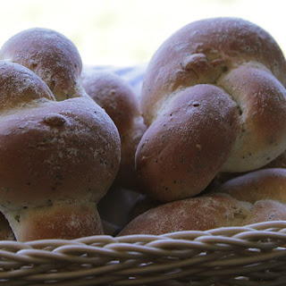 Knotted Bread Rolls.
