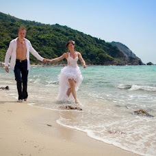 Wedding photographer Yuriy Sharov (Sharof). Photo of 28.06.2013