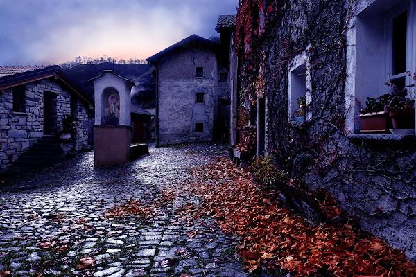 Primi freddi nel borgo di Erbonne di soldato