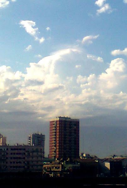 Photo: Un cumulus creando un pileus en su ascenso.