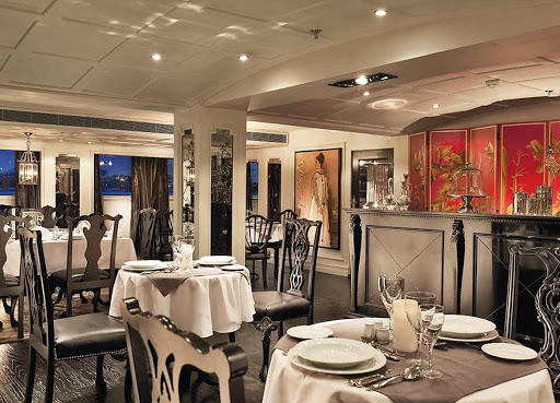 Dine on international cuisine and local delicacies during your vacation down the Nile on ms Mayfair.