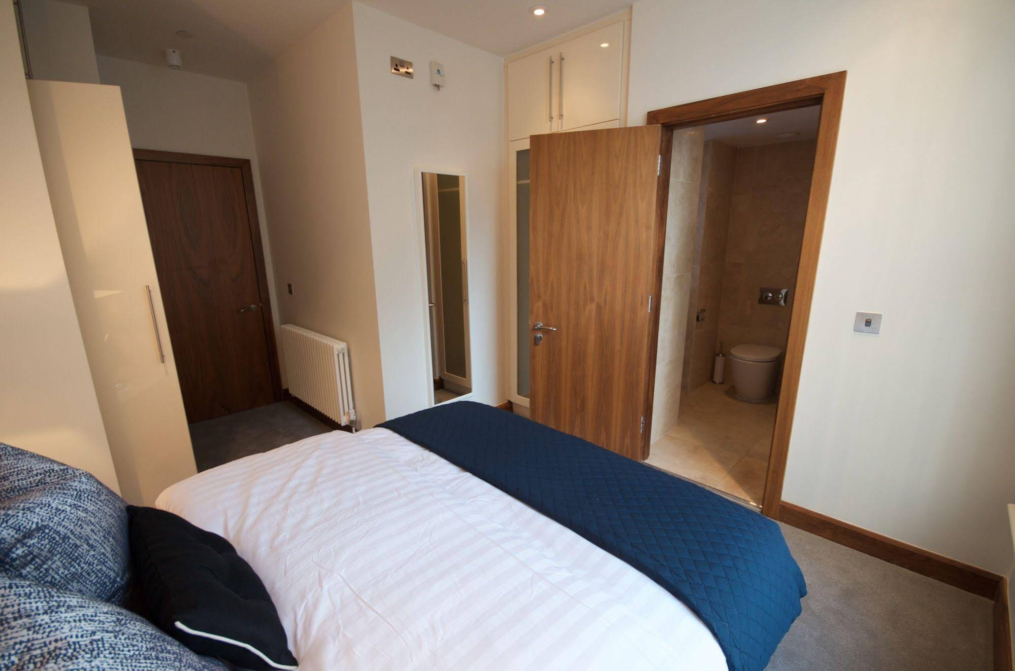 Fleet Street Apartment