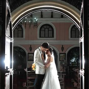 by Coco Bordeos - Wedding Bride & Groom ( love, wedding, marriage, bride, newlyweds, groom )