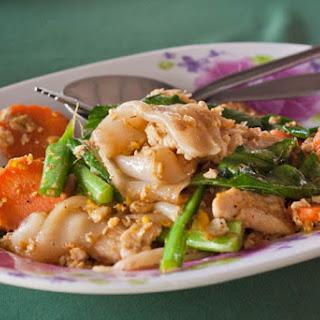 Pad See Ew - Thai Wide Rice Noodle Stir Fry.