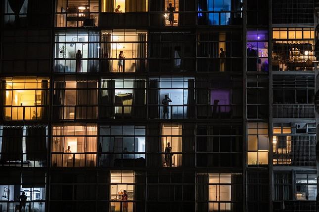 A imagem, do Edifício Copan em São Paulo, foi registrada em 18 de março de 2020, dias antes de ser oficializada a quarentena