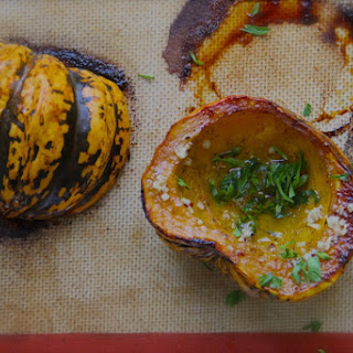 Garlic-Parsley Butter Roasted Acorn Squash