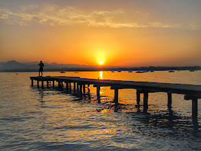 Photo: Lago di Garda - Italy  #gardasee  #lakegarda  #italy  #sunrisephotography   http://www.gardafriends.com/3-dingen-die-je-moet-gedaan-hebben-aan-het-gardameer