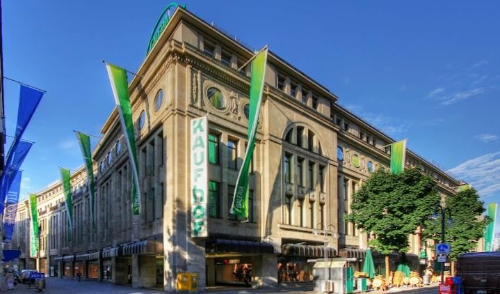 Kaufhof-Gebäude.