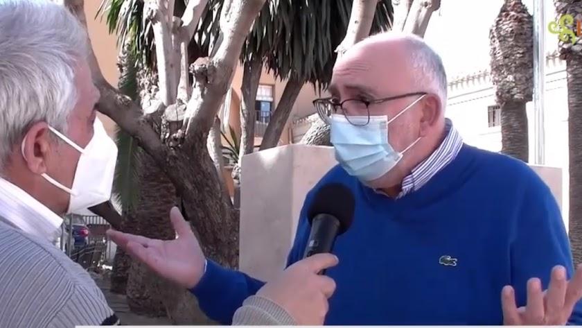 El concejal Pepe López durante la entrevista a Levante TV.