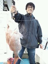 Photo: やったー! 初魚!真鯛! 3kgオーバーです!おめでとうございます!これを機に「魚釣り」始めてください!