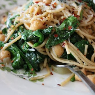Whole Wheat Spaghetti with Sauteed Chickpeas & Spinach.