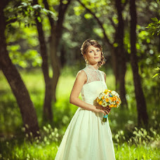 Wedding photographer Evgeniy Gordeev (Gordeew). Photo of 26.06.2014