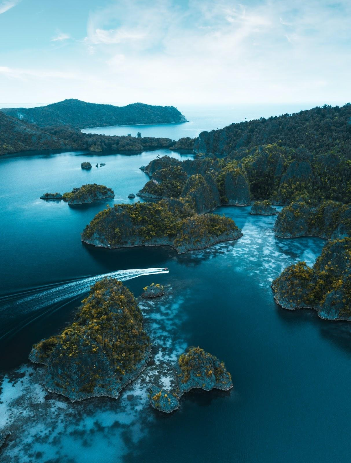 Raja Ampat, one of the most beautiful islands of Indonesia | Outside Suburbia