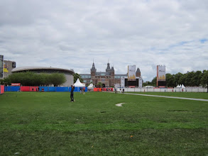 Photo: A co nam psuje widok sprzed Concertgebouw na Rijksmuseum? Strefa kibica oczywiście...