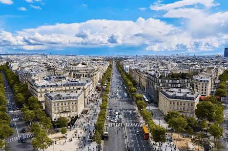 パリの豪華なホテル「パラスホテル」