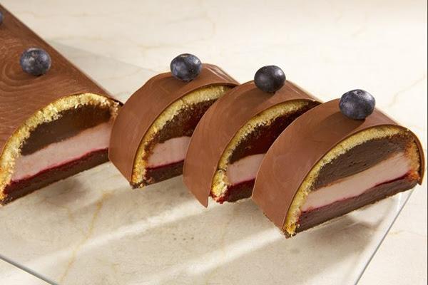 Bolo de Chocolate e Ganache de Frutas Vermelhas